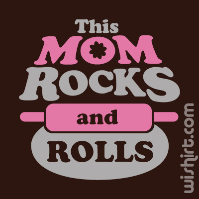 T-shirt This Mom Rocks and Rolls