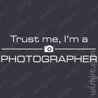 T-shirt Trust Me Photographer